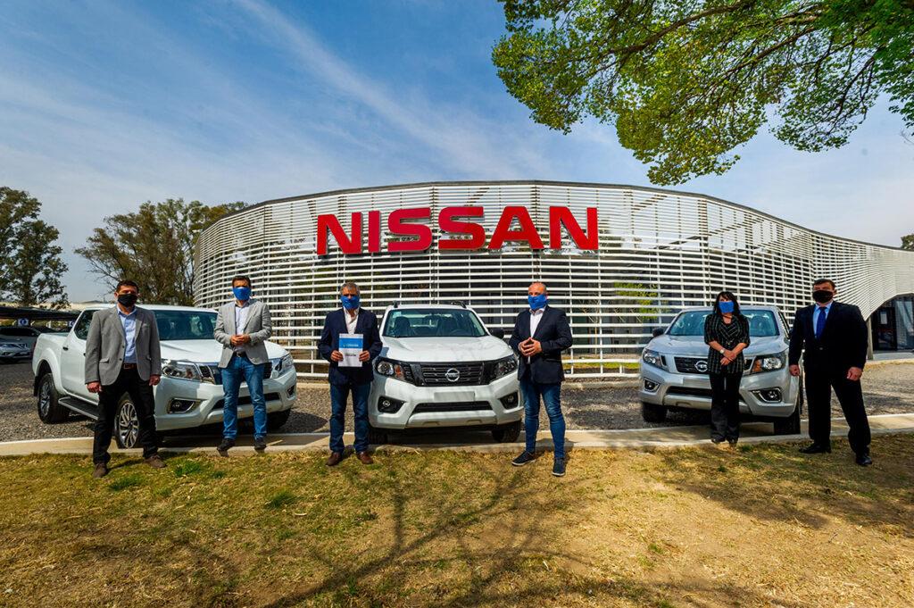 Nissan Argentina donó 15 pick-ups Frontier