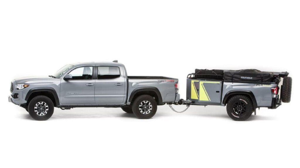 La caja de una Toyota se convirtió en la compañera ideal para la aventura