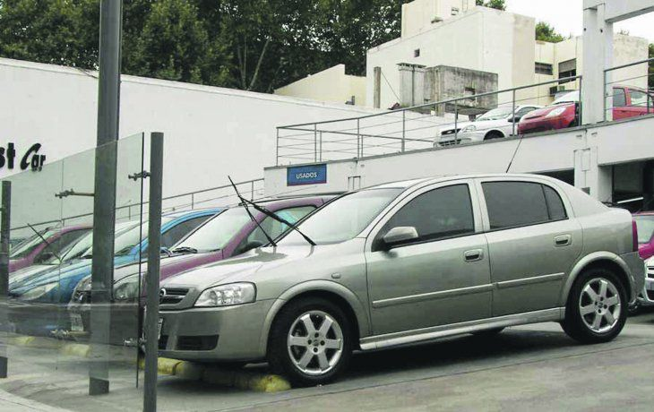 espera por autos usados